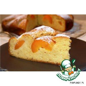 Рецепт Бисквитный медовый пирог с абрикосами