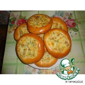 Рецепт Ватрушки с копченым сыром, чесноком и зеленью