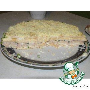 """Рецепт Салат-торт """"Нежный"""" с крекером"""