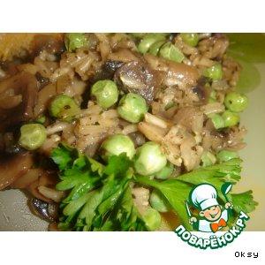 Рецепт Бурый рис с грибами и зеленым горошком
