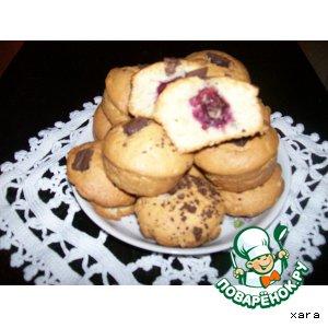 Рецепт Кексы с вишней и кусочками шоколада