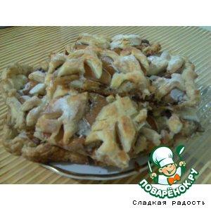 Рецепт Пирог из слоeного теста с айвой и орехами