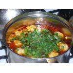 Суп с колбасой и сырными клецками