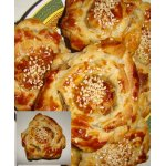 Пирожки-розочки слоеные с мясной начинкой