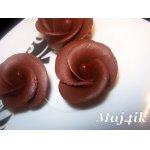 Шоколадная мастика и розочки из неe (получается всегда)