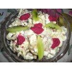 Рыбный салат с хреновой заправкой
