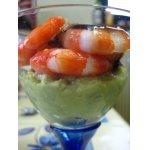 Креветки   в   китайском   соусе   на    авокадо