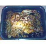 Курица с капустой, запеченная в духовке