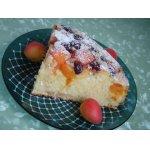 Творожно-абрикосовый пирог с черешней