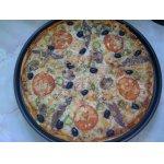 Пицца с креветками и анчоусами