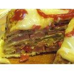 Закусочный торт из картофеля с сосисками, сыром и помидорами
