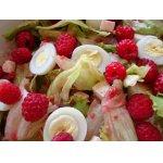 Салат с малиной и перепелиными яйцами