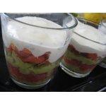 Салат-коктейль с авокадо, семгой и грейпфрутом
