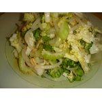 Салат из пекинской капусты с сельдереем и проростками