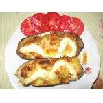 Баклажаны, фаршированные мясом и помидорами