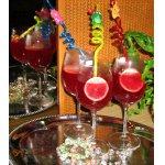 Горячее красное сладкое вино со специями