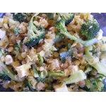 Горячий салат с чечевицей