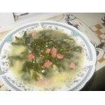 Деревенский английский шпинатный суп