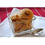 Карамельное мороженое с шоколадными прослойками