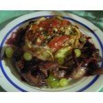 Жареные перепела Вероники в ежевичном соусе с гренками            (cailles Veronique)