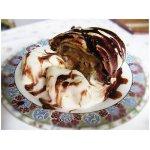 Яблочный штрудель с мороженым
