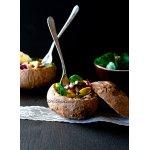 Тeплый салат с грибами и беконом