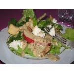Салат с яблоками и фетой