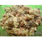 Салат с жареными крабовыми палочками и грибами
