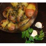 Ароматная картошка в соусе из петрушки