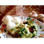 Запеканка из грибов и шпината, под сырным соусом