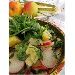 Салат картофельный с редиской и яблоком