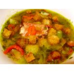 Гороховый суп с копченостями и крутонами
