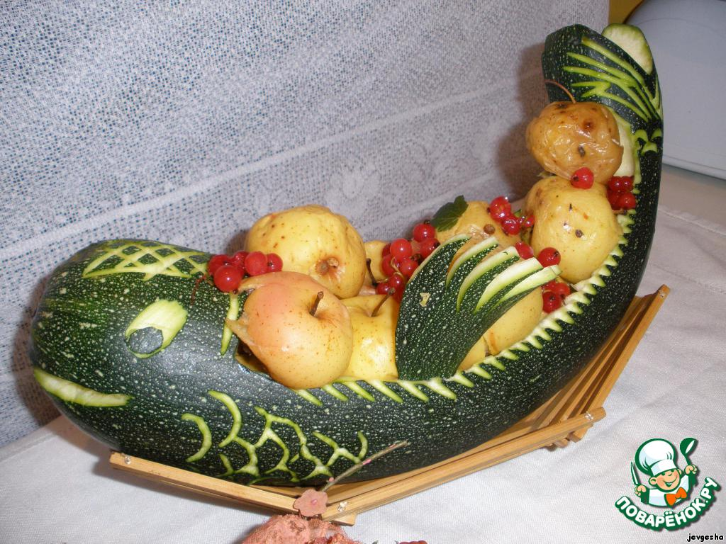 Поделка корзина с овощами из тыквы 100