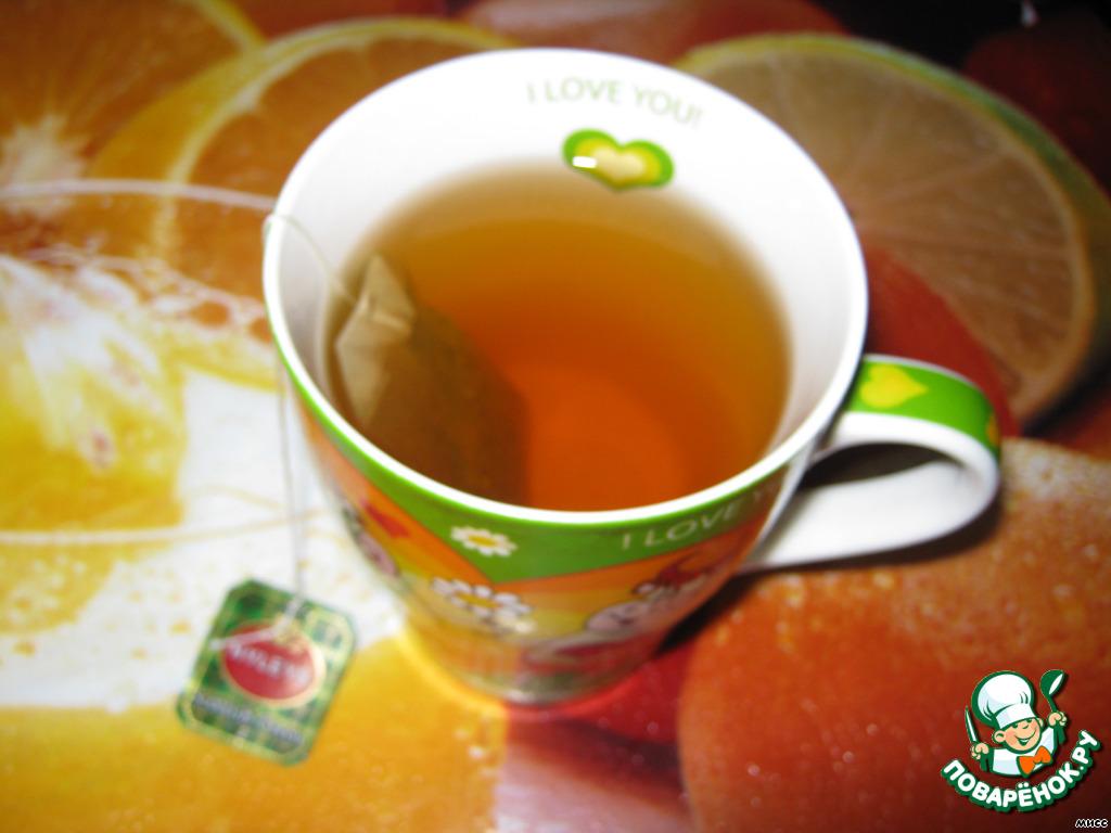 Чай заваривают горячей а не холодной водой