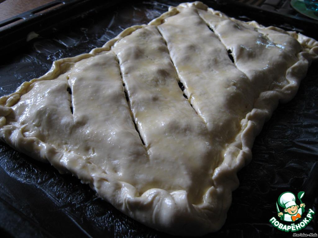 Пирог сладкий из слоеного теста рецепт с пошагово в духовке