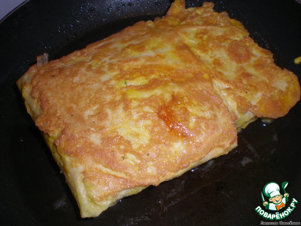 Лаваш с сыром на сковороде в яйце рецепт с фото