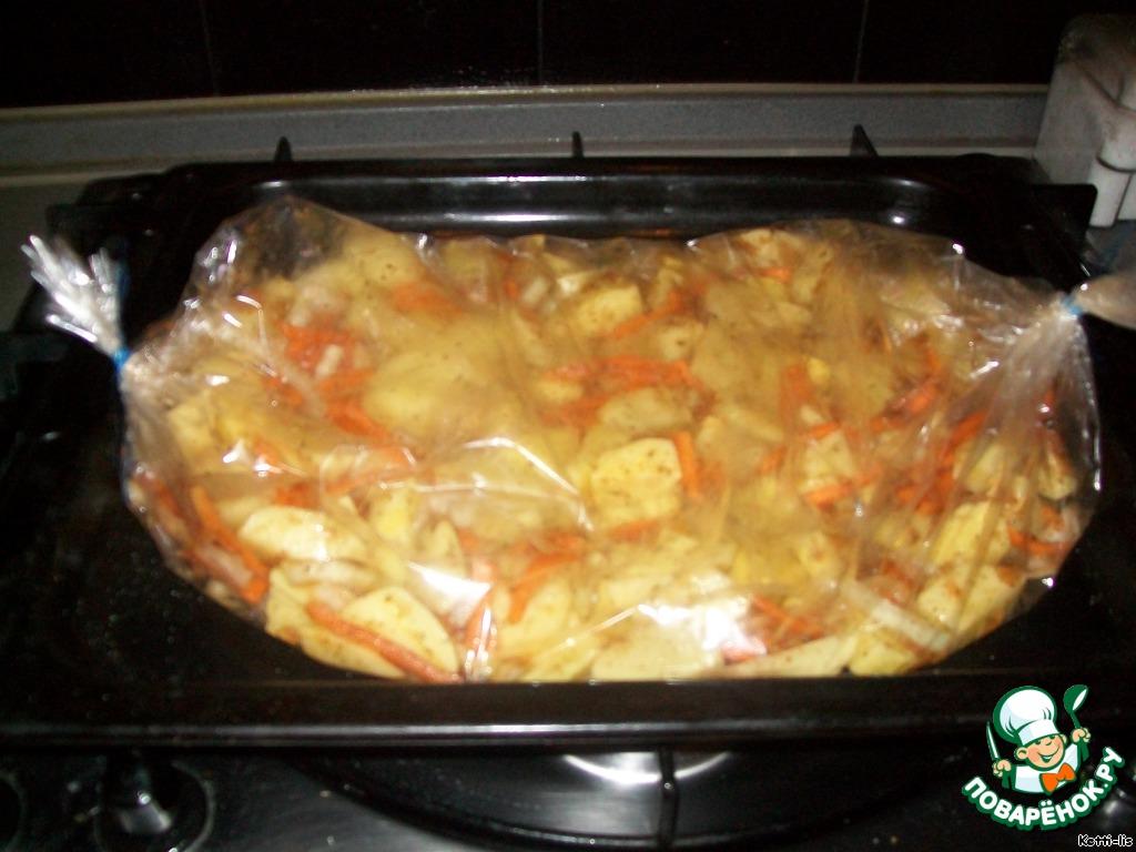 Как запечь мясо с картошкой в рукаве в духовке рецепт