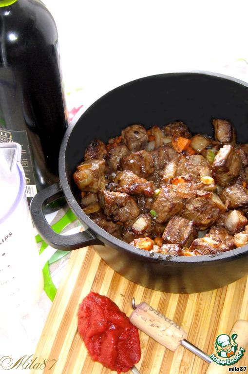 Классический мяса по бургундски
