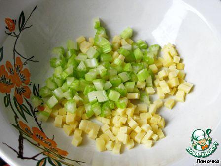 Салат с кедровыми орешками и курицей рецепт