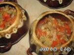 Ароматная гречка с сердечками и грибами в горшочках Перец