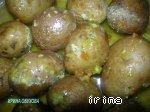 Селедка и картошка, запеченные в кульке в микроволновке Лук репчатый