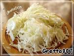 Пряный горшочек со свининой и капустой под хлебной корочкой