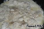 фото Рулетики из лаваша с курицей в сметанно-сырном соусе