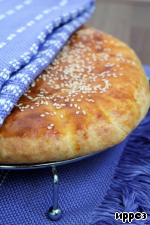 Лепешка из творожного теста с сыром Мука