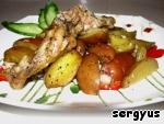 Картофель запеченный с куриными крылышками Сало