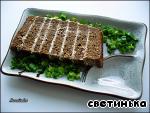фото А-ля террин из сельди с бородинским хлебом