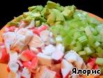 Салат из крабового мяса, сельдерея и авокадо ингредиенты