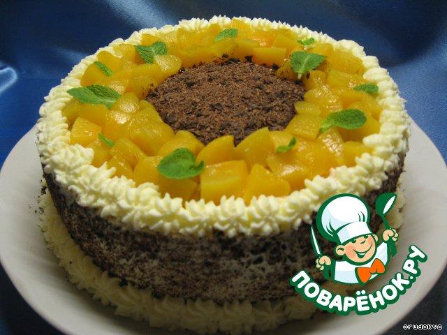 Торт с кремом из персиков и сливок
