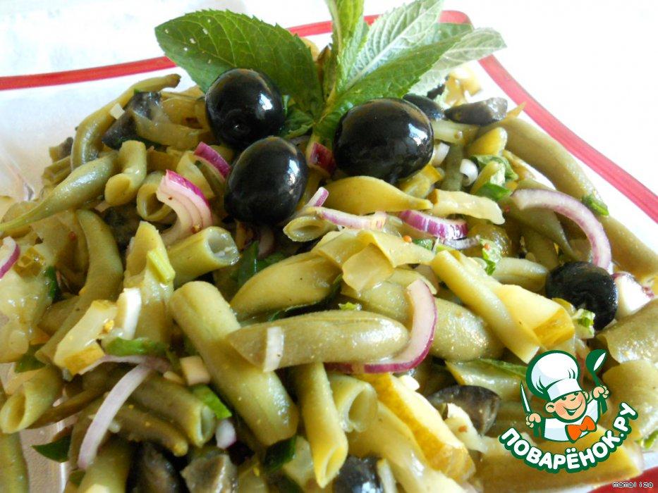 Маринованный салат из стручковой фасоли