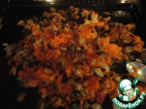 After 20 minutes and mix a second time after another 20 min. All the vegetables are melted. Spread an even layer and another 20 minutes in the oven. At this time peel potatoes and in boiling water, cook until tender.